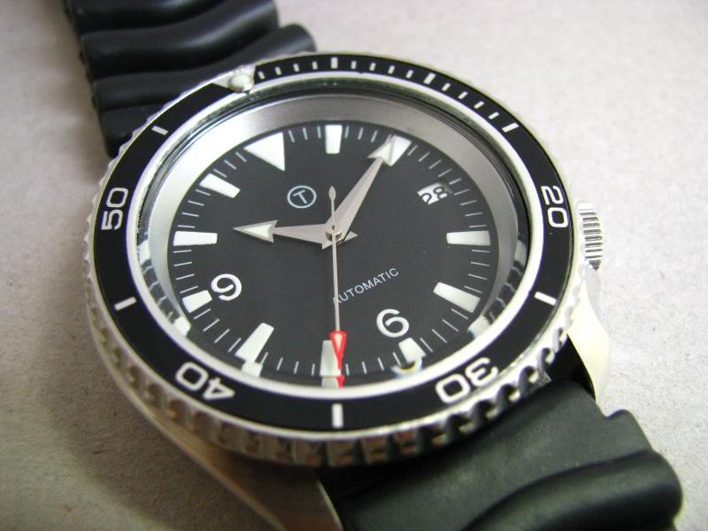 manual winding watch vs automatic