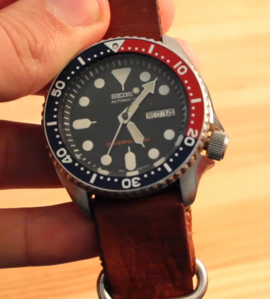 seiko-skx009-screw-down-crown