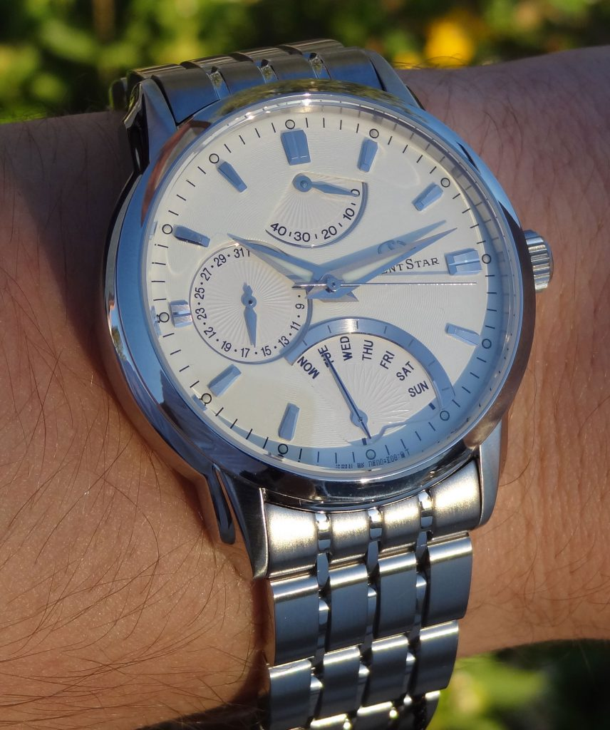 orient-star-retrograde-review-white-bracelet