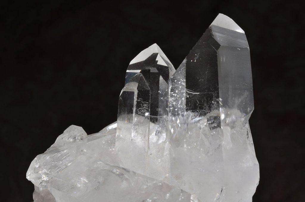 what is quartz - transparent